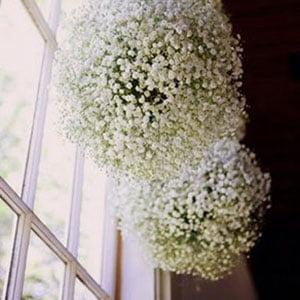 Flor mosquitinho artificial na decoração de teto
