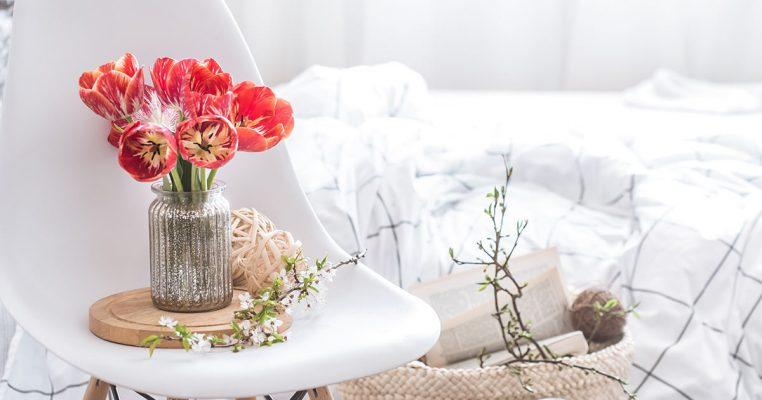 Como montar arranjos de flores artificiais em vasos de vidro - Crysmax